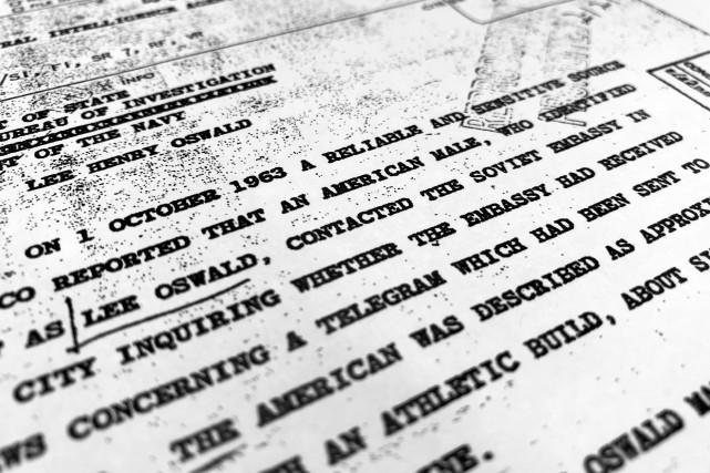 C'est la troisième série de documents sur le... (photo Jon Elswick, AP)