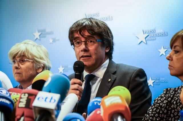 Carles Puigdemont et ses collègues sont poursuivis en... (Photo Aurore Belot, Archives Agence France-Presse)
