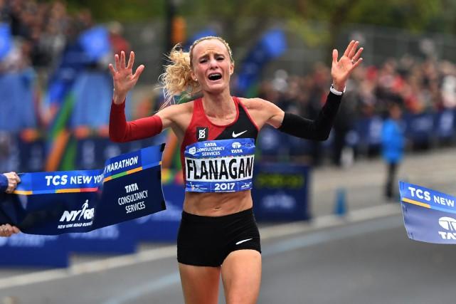 Shalane Flanagan est devenue la première Américaine à... (Photo Timothy A. Clary, Agence France-Presse)