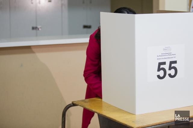 Sur les 294 candidats qui se présentent aux... (PHOTO EDOUARD PLANTE-FRÉCHETTE, La Presse)