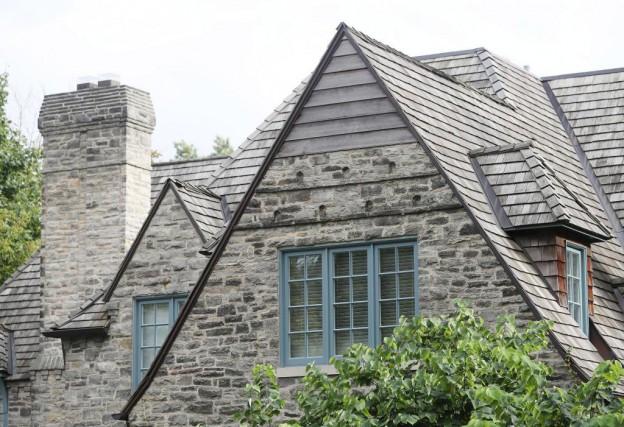 La maison de Jason et Jodi Chapnik, rueStrathearn,dans... (Photo Steve Russell, Toronto Star)