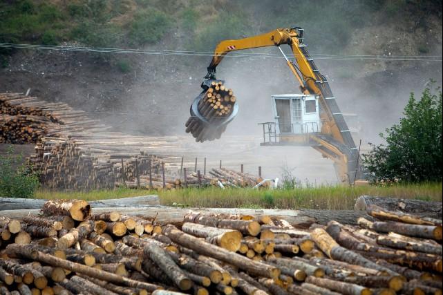 Fini l'image du camp de bûcherons de nos ancêtres ou les forêts coupées sans... (Photo : Bloomberg)