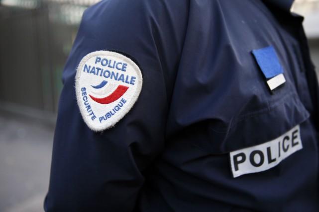 Dix personnes âgées de 18 à 65 ans... (AFP)