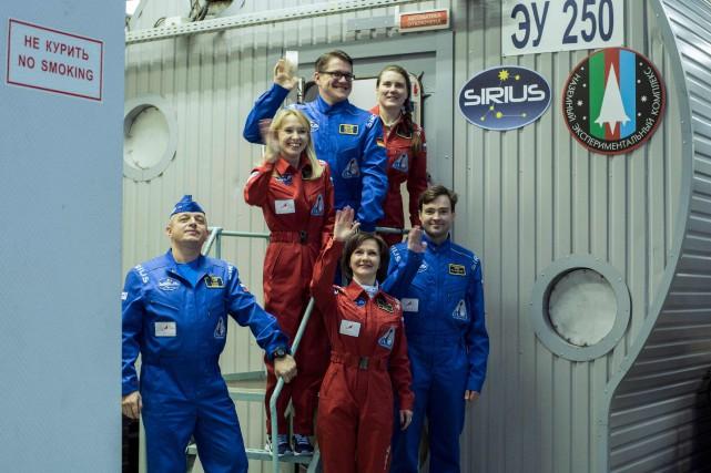 Trois femmes - la cosmonaute Anna Kikina et... (Photo Andrei KOVALENKO, Agence France-Presse)