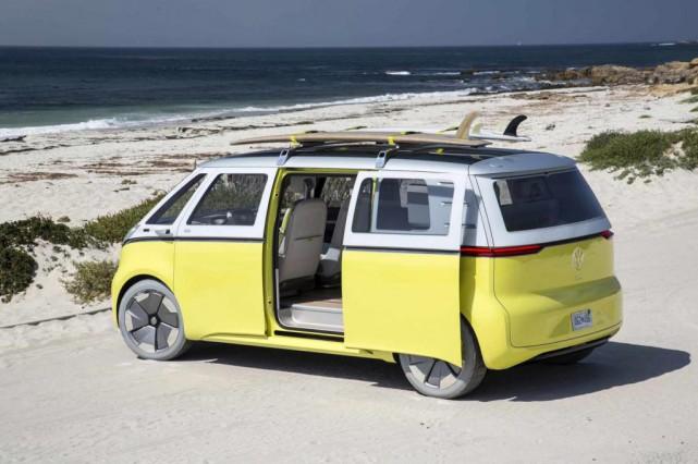 Volkswagen AG et la maison-mère de Google, Alphabet,... (PHOTO VOLKSWAGEN)