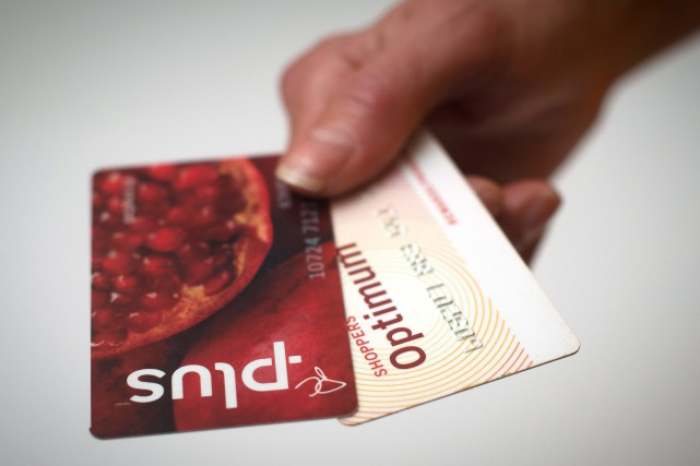 Les consommateurs peuvent continuer à accumuler leurs points... (PHOTO Graeme Roy, la presse canadienne)