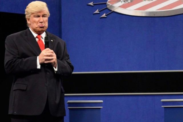 Alec Baldin imitant Donald Trump à SNL... (Photo Will Heath, Associated Press)