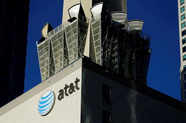 Les autorités américaines demandent à AT&T et Time Warner de vendre la chaîne... (PHOTO ARCHIVES REUTERS)