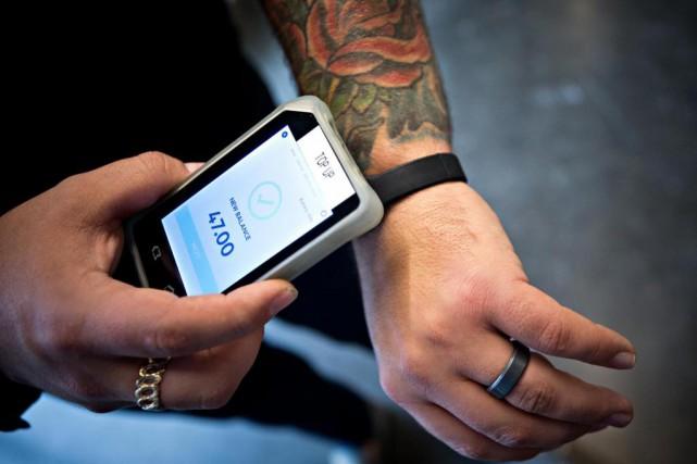 Connect &Go a conçu un bracelet intelligent qui... (Photo Patrick Sanfaçon, La Presse)