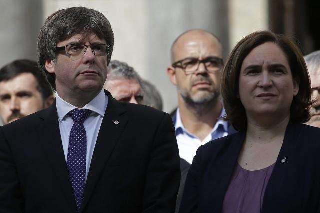 Carles Puigdemont et Ada Colau étaient ensemble le... (Photo Manu Fernandez, AP)