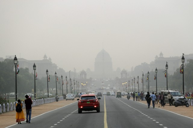 La pollution s'est maintenue à des niveaux élevés... (Photo Manish Swarup, Associated Press)