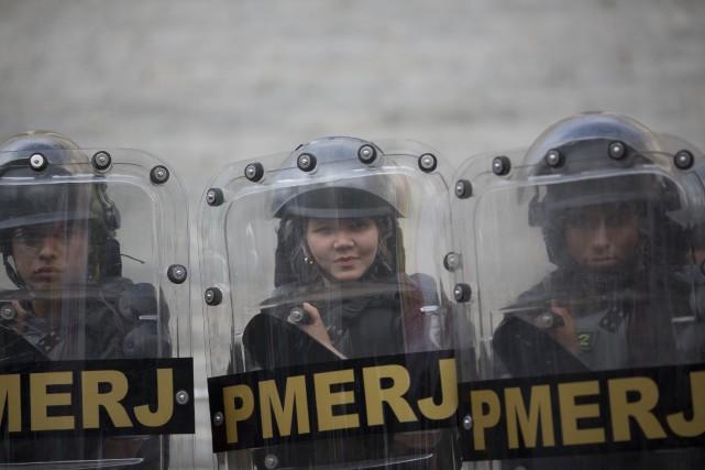 La police de Rio de Janeiro a ouvert... (Photo Silvia Izquierdo, AP)