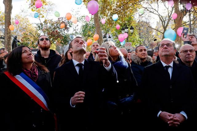 De gauche à droite: la maire de Paris... (PHOTO PHILIPPE WOJAZER, AGENCE FRANCE-PRESSE)