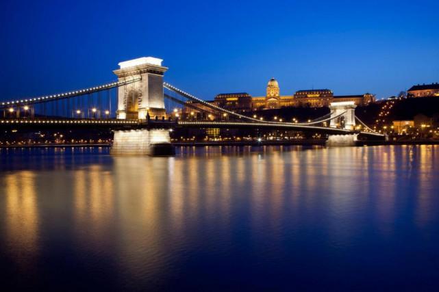 La plus connue des croisières fluviales est sans... (Photo Balazs Mohai, Archives Bloomberg)
