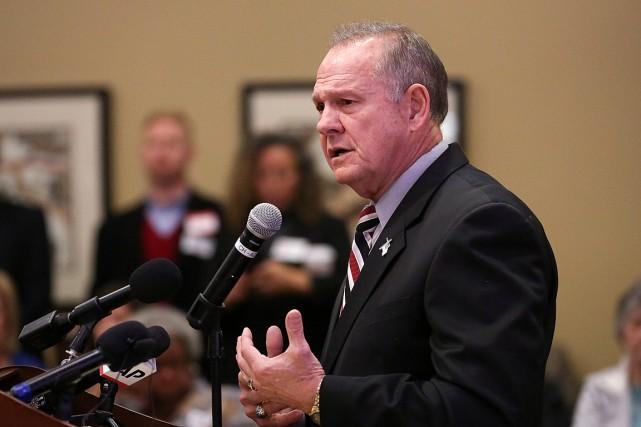 Roy Moorea nié les accusations d'attouchements sur une... (PHOTO MARVIN GENTRY, REUTERS)