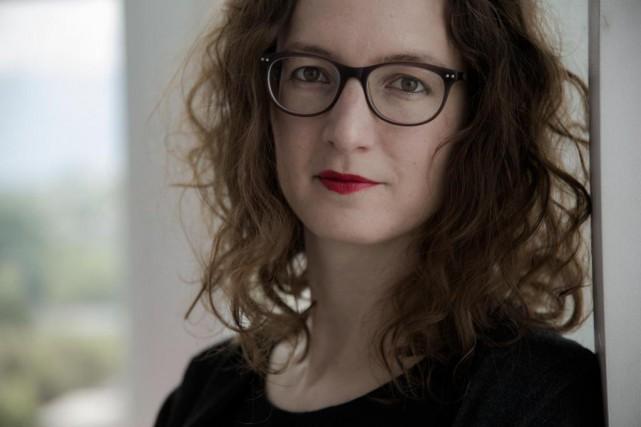 L'auteure suisse Aude Seigne présente son nouveau roman... (PHOTO ROMAIN GUÉLAT, FOURNIE PAR LES ÉDITIONS ZOÉ)