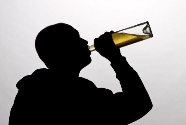 Dans le milieu médical, l'intoxication à l'alcool chez... (Photo Alain Roberge, Archives La Presse)