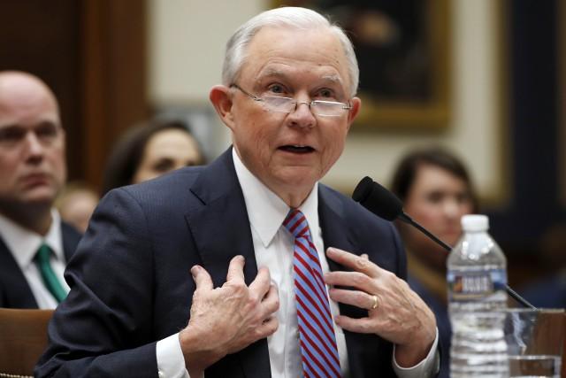 Le procureur général des États-Unis Jeff Sessions... (photo Alex Brandon, AP)