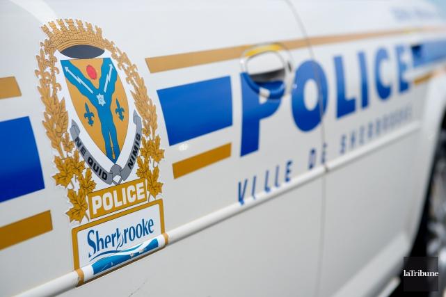 Le Service de police de Sherbrooke (SPS) signale qu'un garçon de 17ans arrêté... (Photo Jessica Garneau, Archives La Tribune)