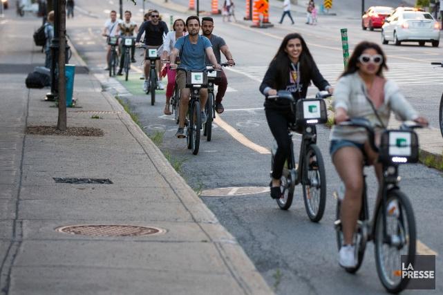 Le système de vélo en libre-service de Montréal, BIXI, a continué sur sa lancée... (Photo Simon Giroux, archives La Presse)