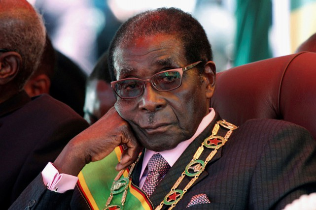 Robert Mugabe... (ARCHIVES REUTERS)