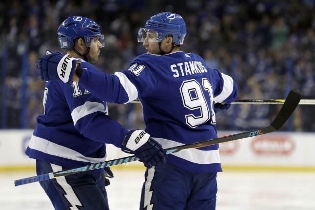 Alex Killorn et Steven Stamkos... (Photo Chris O'Meara, AP)
