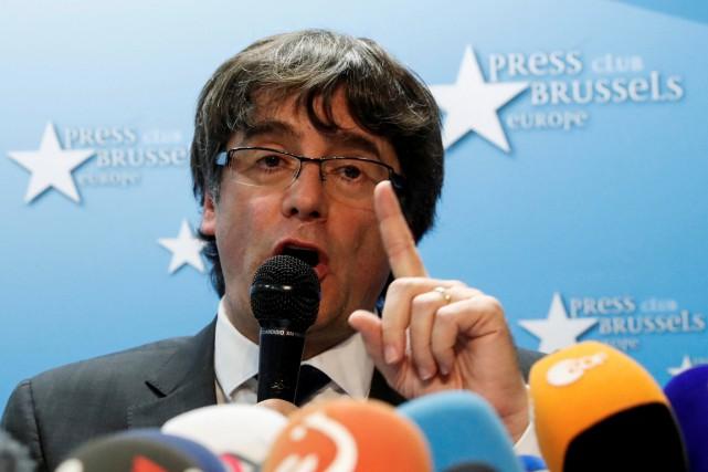 Leprésident déchu de la Catalogne Carles Puigdemont... (PHOTO YVES HERMAN, ARCHIVES REUTERS)