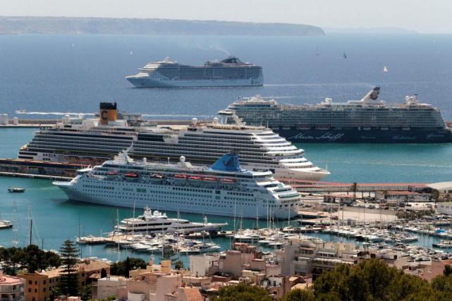 Des bateaux de croisière dans l'île de Majorque,... (Photo Enrique Calvo, archives Reuters)
