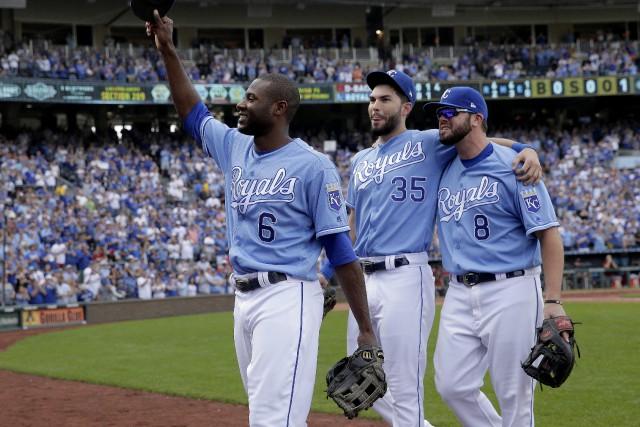 Lorenzo Cain, Eric Hosmer et Mike Moustakas, des... (Photo Charlie Riedel, AP)