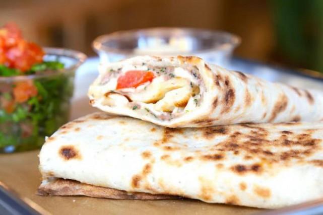 Le pita wrap kafta et fromage est un... (Photo fournie par Jouney)