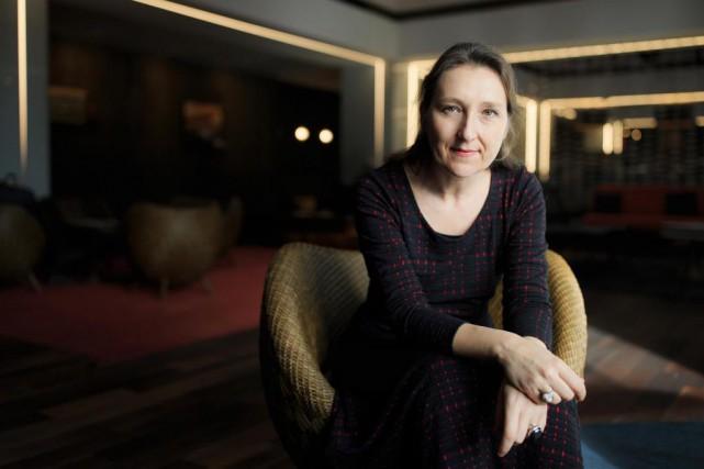 L'auteure Marie Darrieussecq est en faveur de l'écriture... (PHOTO EDOUARD PLANTE-FRÉCHETTE,LA PRESSE)