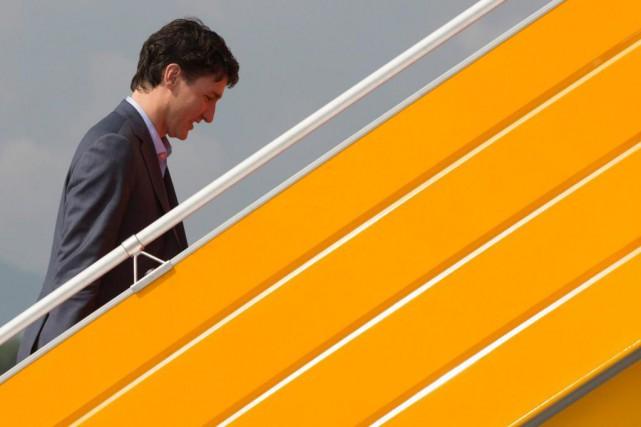 En faisant campagne lors des élections partielles, le... (photoAdrian Wyld, la presse canadienne)