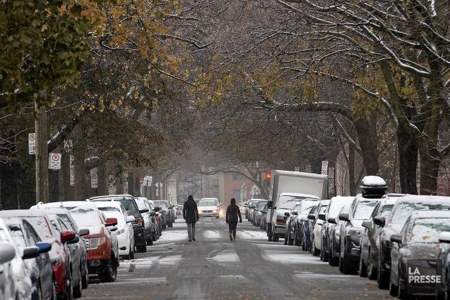 Il est tombé un peu de neige à... (PHOTO ROBERT SKINNER, LA PRESSE)