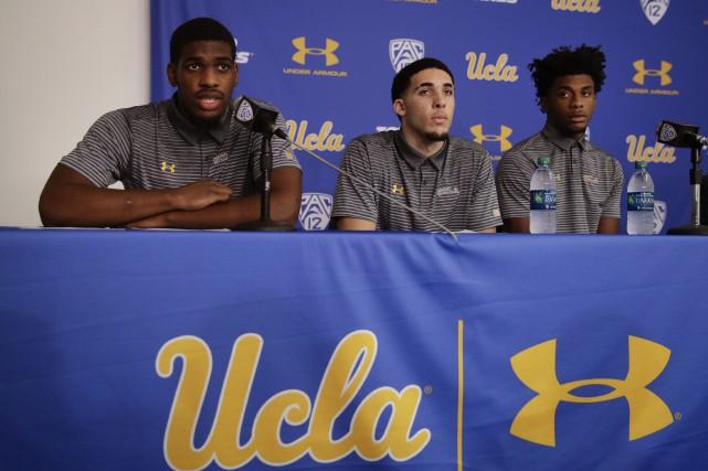 Les trois joueurs de UCLA, LiAngelo Ball, Cody... (Photo Jae C. Hong, AP)