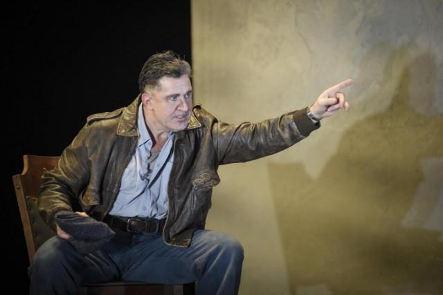 François Papineau livre une performance magistrale dans le... (Photo Yves Renaud, fournie par le TNM)