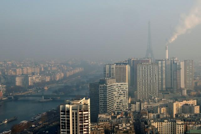 Paris espère atteindre le zéro véhicule diesel d'ici... (Photo Philippe Wojazer, REUTERS)
