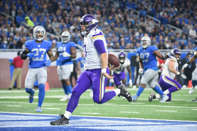 Le quart des Vikings Case Keenum (7) a... (Photo Tim Fuller, USA TODAY Sports)
