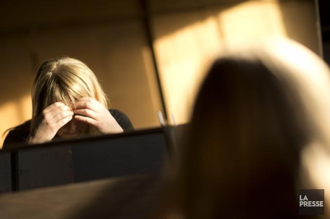 Environ deux-tiers des schizophrènes entendent des voix imaginaires... (PHOTO OLIVIER JEAN, ARCHIVES LA PRESSE)