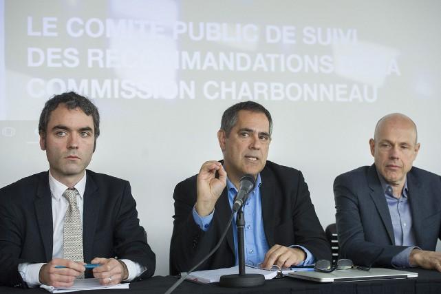 Les membres du comité de surveillance, Pierre-Olivier Brodeur,... (Photo Graham Hughes, La Presse canadienne)
