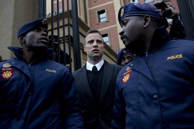 Oscar Pistorius peut encore faire appel de la... (Photo KAREL PRINSLOO, AFP)