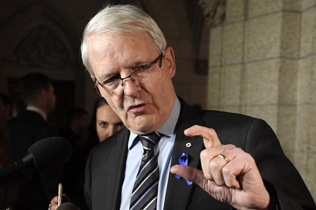 Une nouvelle directive de Transports Canada autorise lescouteaux... (Justin Tang, archives PC)