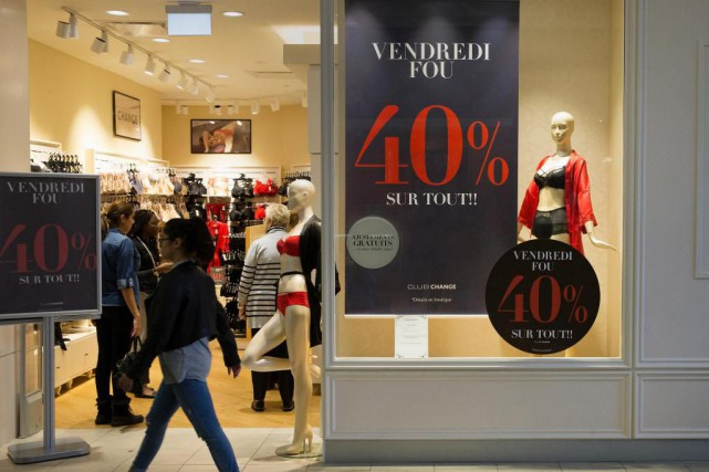 On peut épargner de l'argent en achetant en... (Photo Robert Skinner, La Presse)