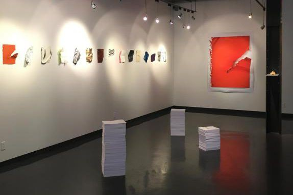 Vue de l'exposition Trois papiers, de Sébastien Gaudette,... (Photo fournie par la galerie salon b-espace culturel)