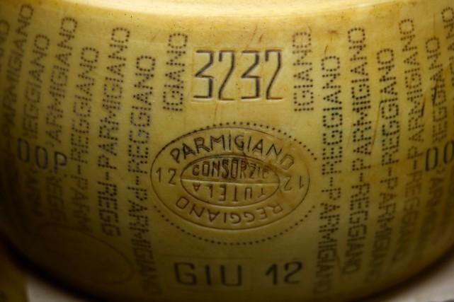 Un porte-parole du consortium des producteurs de Parmesan... (photo Alessia Pierdomenico, archives Bloomberg)