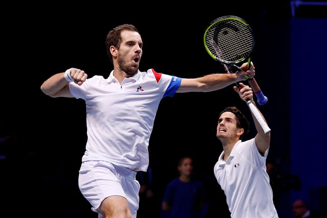 Richard Gasquet et Pierre-Hugues Herbert ont sauté de... (PHOTO PASCAL ROSSIGNOL, REUTERS)