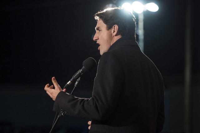 Justin Trudeaua exhorté les hommes à se lever... (Photo La Presse canadienne)