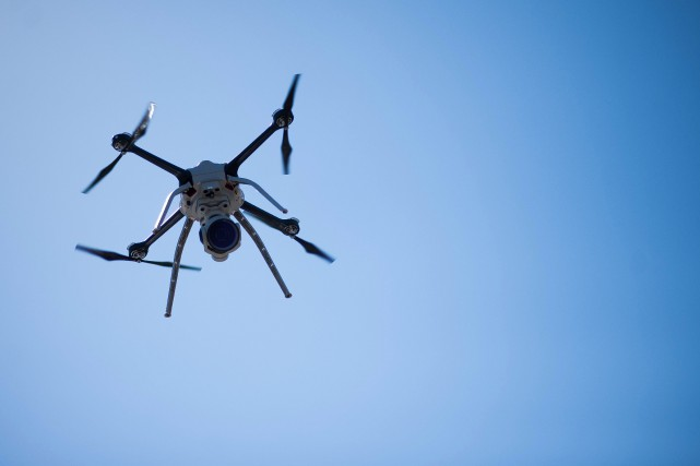 Des drones ont fait des vols de 4h... (Photo archives Bloomberg)