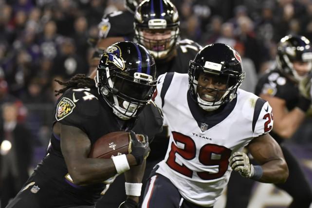 Terrell Suggs et la coriace défensive des Ravens de Baltimore leur ont permis... (PHOTO REUTERS)