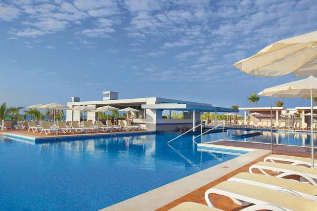 L'hôtel Riu Playa Blanca... (photo tirée du site de Sunwing)