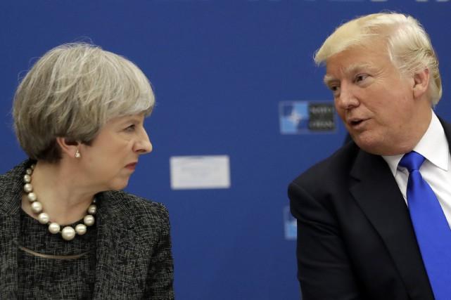 «Theresa May, ne te focalise pas sur moi,... (AP)